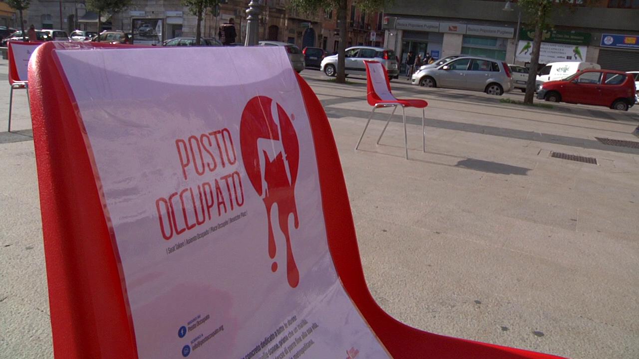 sedia rossa piazza roma barletta